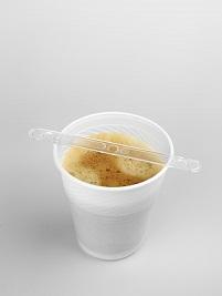 Distributeurs automatiques : recycler les gobelets ?